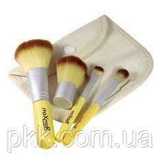 Набор кисточек для макияжа MaXmaR из 4 инструментов в футляре из ткани МВ-208