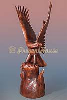 Напольная статуя орла