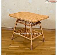 Плетеный стол из лозы с газетницею
