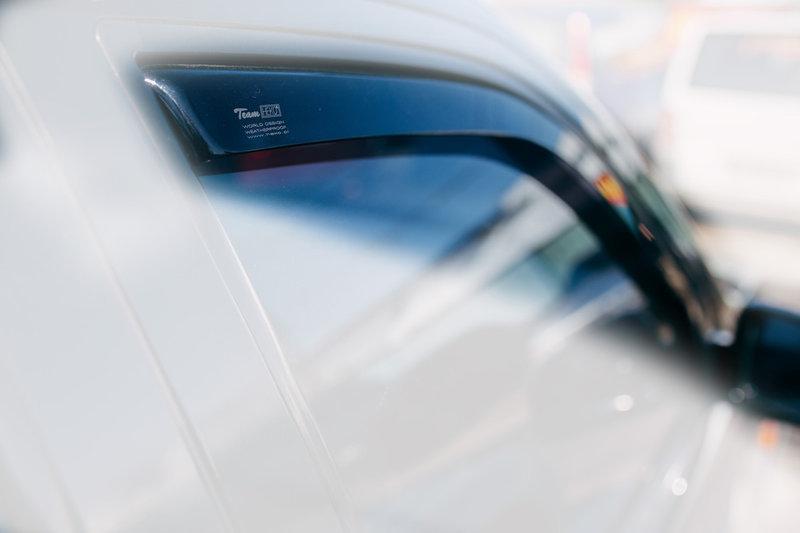 Дефлекторы окон (ветровики) CHRYSLER Voyager 1995-2007/Dodge Caravan 1995-2008 2шт(Heko)