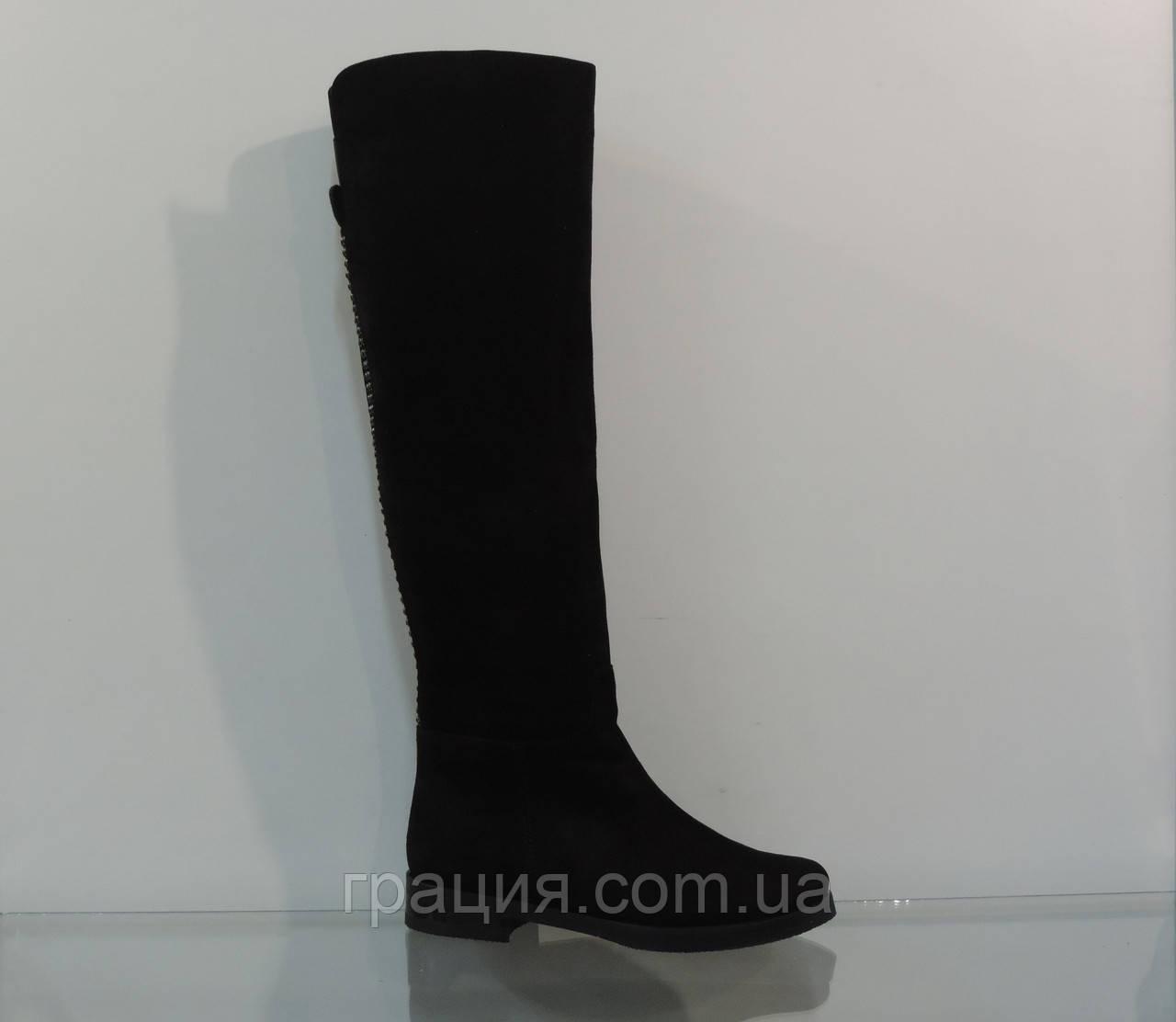 Модные женские замшевые зимние сапожки на маленьком каблуке