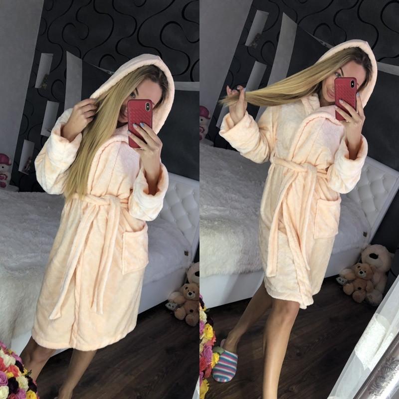 Женский домашний однотонный халат с капюшоном
