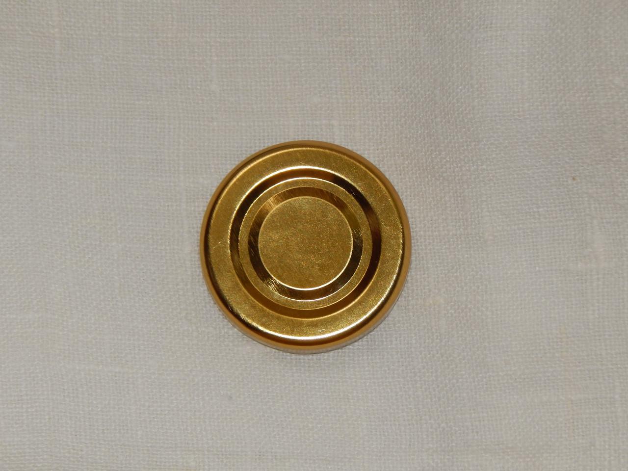 Крышка закаточная твист-офф размер 43 мм золото