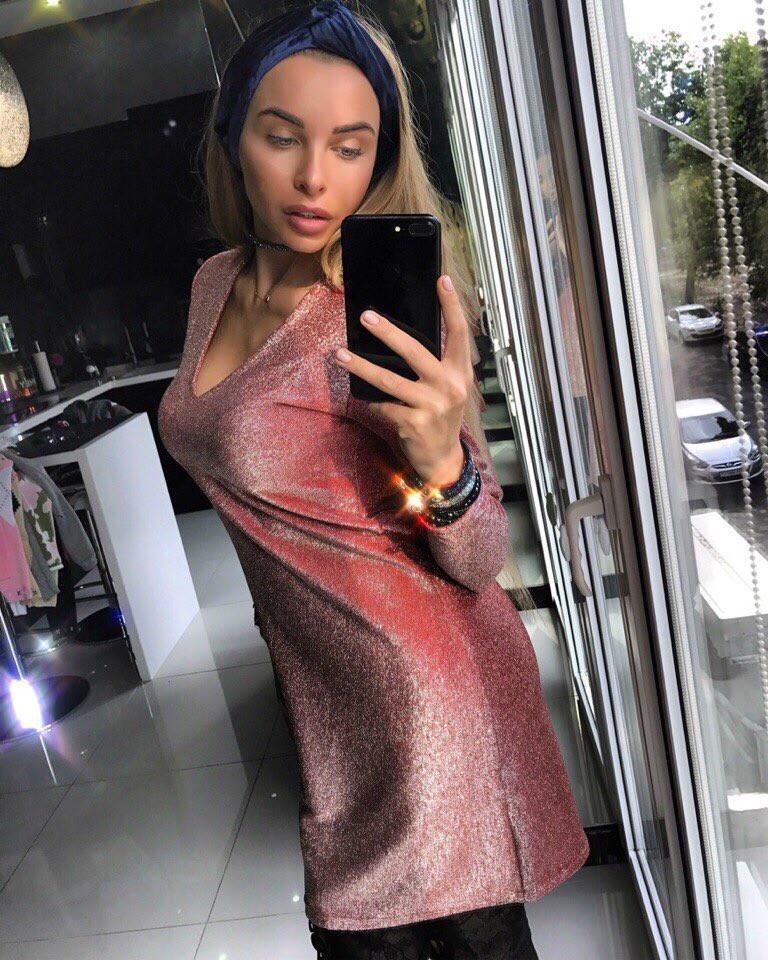 Платье женское плотный мерцающий люрекс -трикотаж (не колется ,очень красиво блестит )