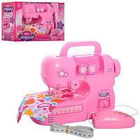 Швейна машинка іграшкова на батарейках шиє