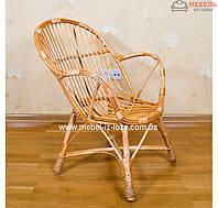 Плетеное кресло из лозы ручной работ