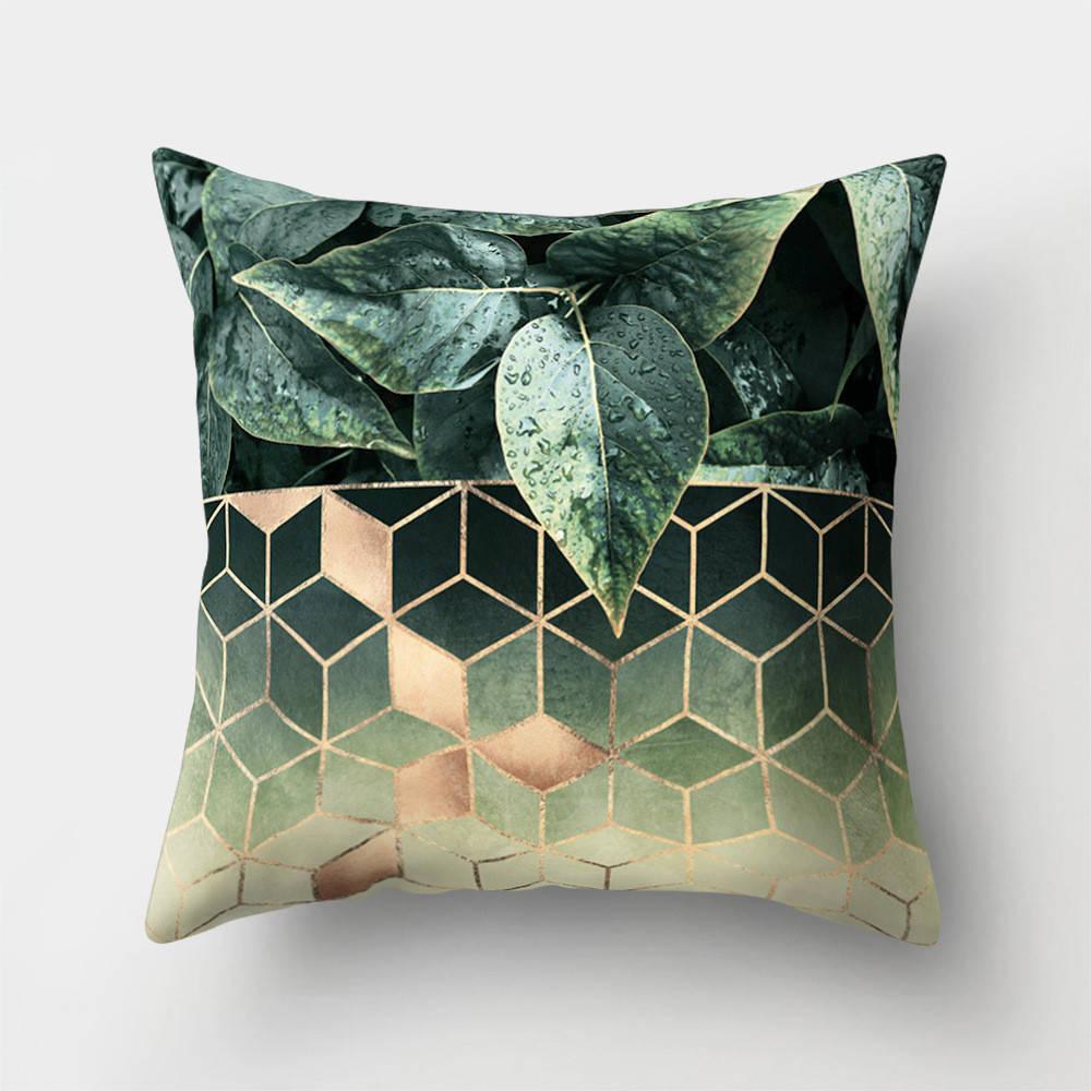 Подушка с принтом Кубы и листья