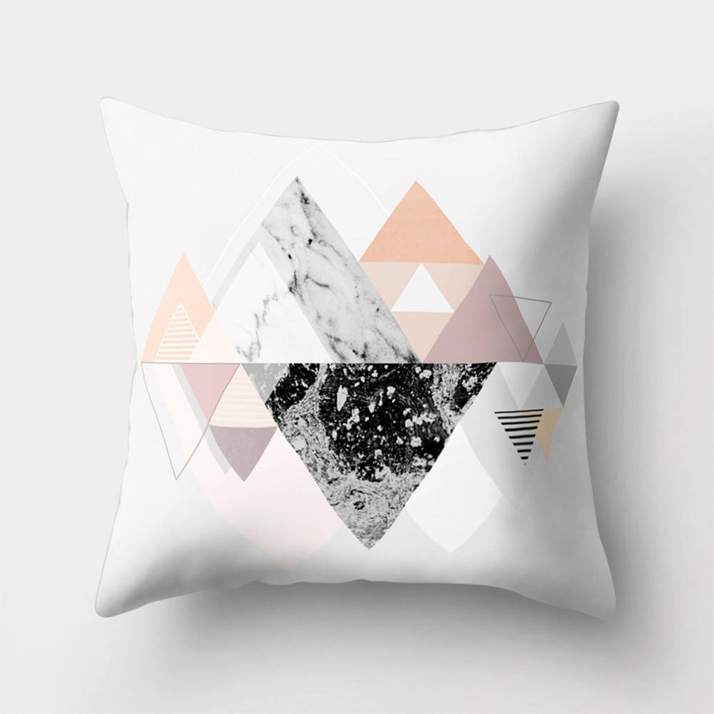 Подушка с принтом Отражение гор