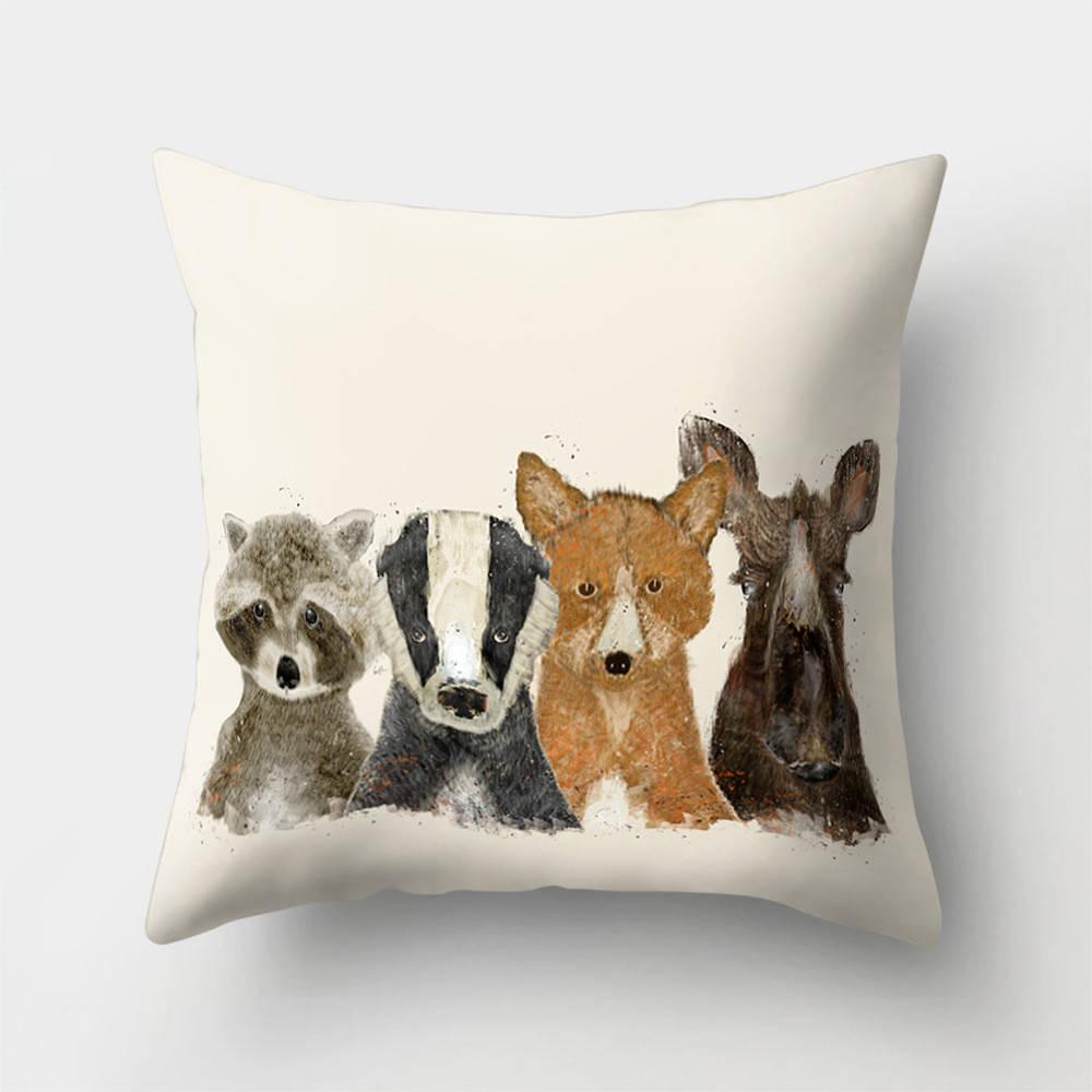 Подушка с принтом Лесные животные