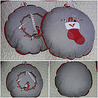 Красивая подушка-игрушка к новогодним праздникам, диам. 38 см, 220/190 (цена за 1 шт. + 30 гр.)