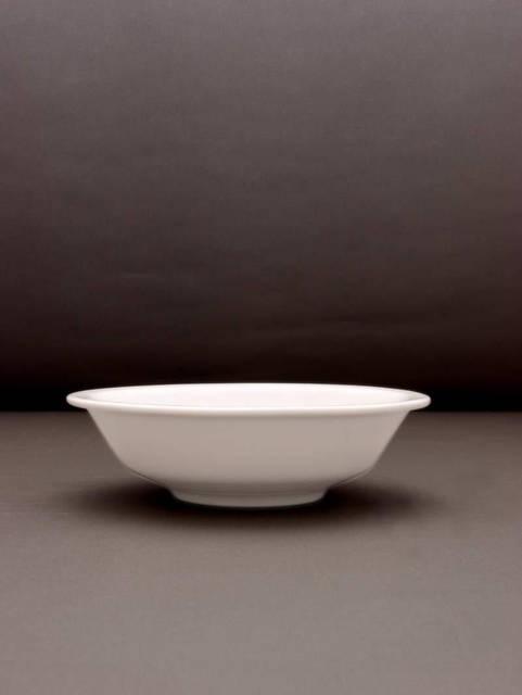 Салатник круглый 23 см. фарфоровый, белый Hel, Lubiana