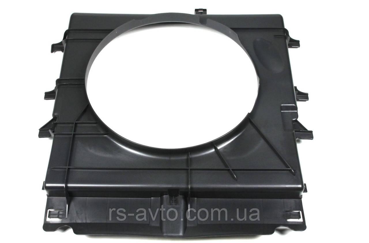 Диффузор радиатора MB Mercedes Sprinter, Мерседес Спринтер OM651 09- RW50061