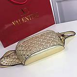 Сумка жіноча на пояс Валентино Garavani Free Rockstud Spike 20, 23 см, колір золотистий, натуральна шкіра, фото 6