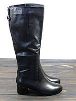 Кожаные сапоги на низком каблуке зимние, фото 1