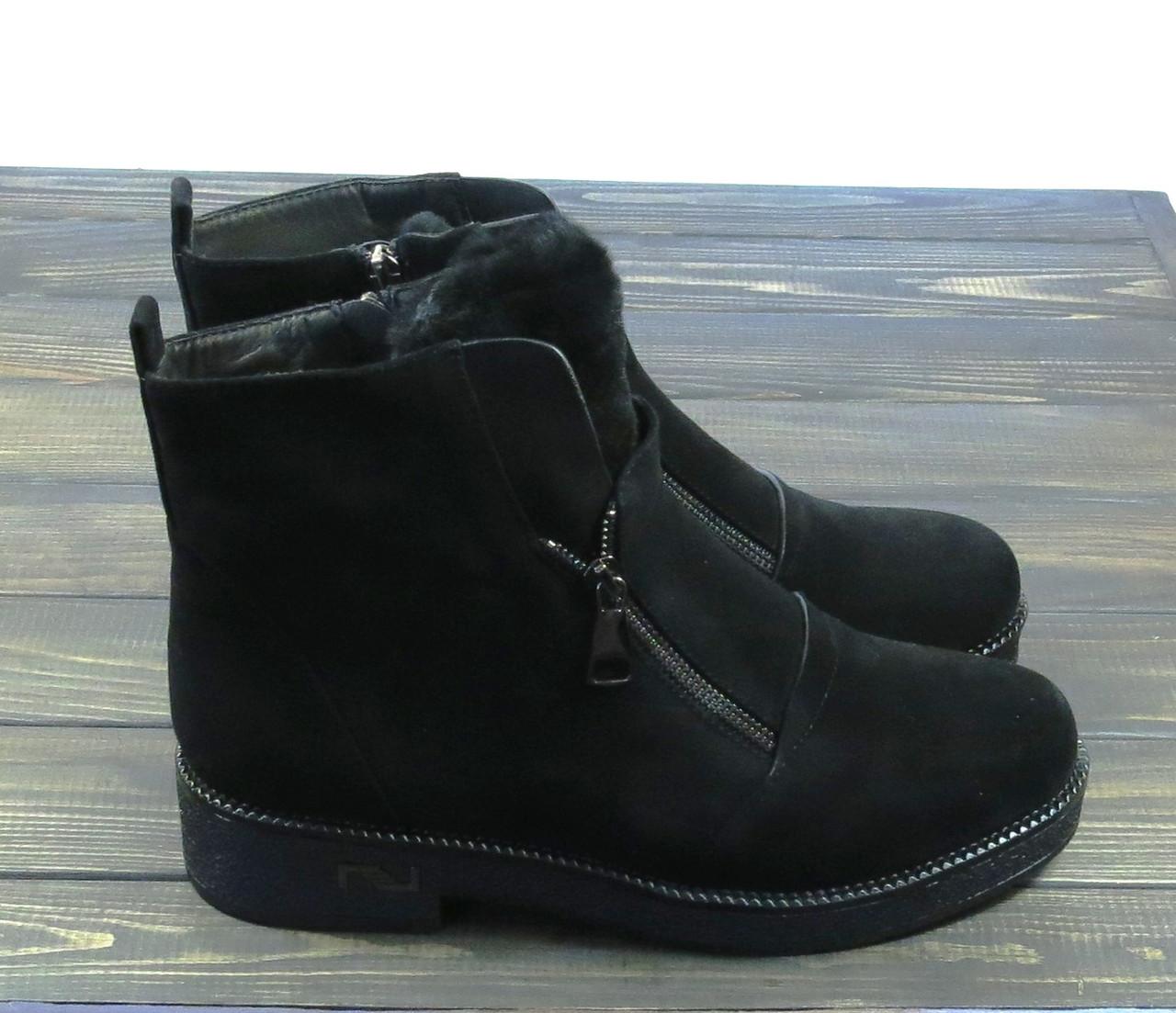Стильные молодежные женские ботинки на низком каблуке замшевые