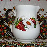 Кувшин молочник (клубника садовая)