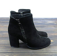 Замшевые осенние ботинки на каблуке черные, фото 1