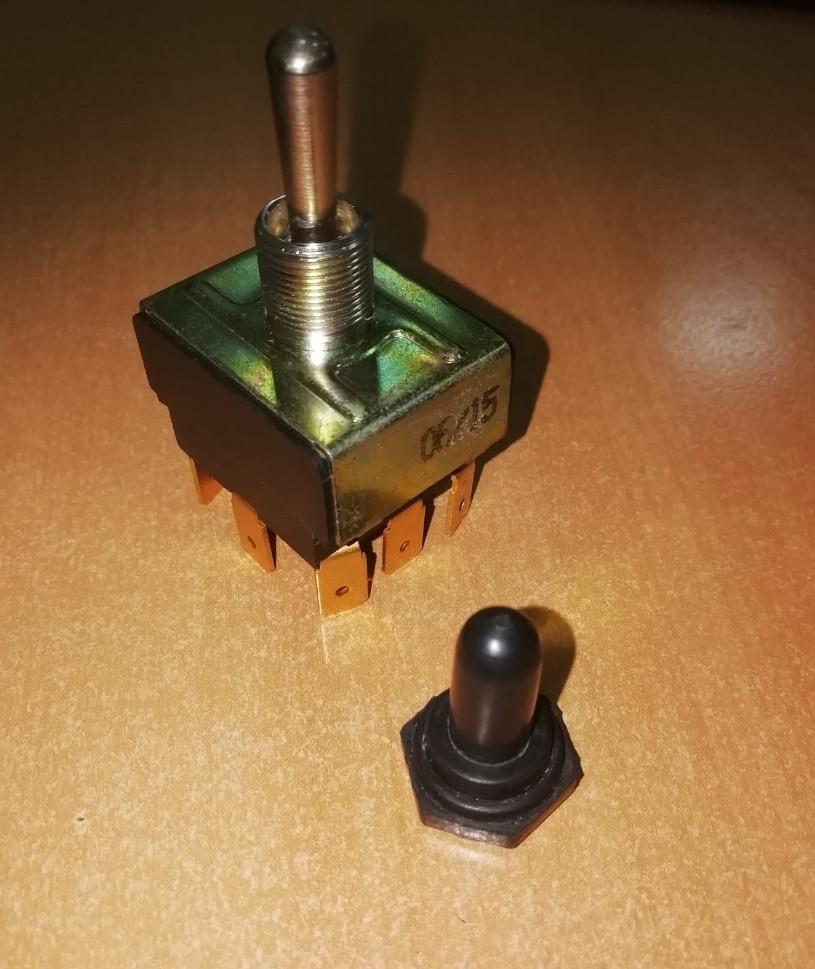 Тумблер S2S-С/2Т 2 полюса под пайку, вкл-откл-вкл, без фиксации Италия