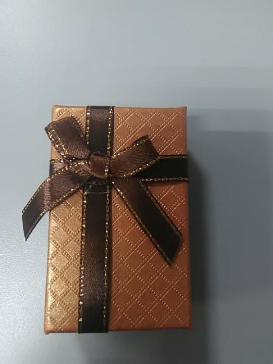 Коробочка для украшений с атласным бантом коричневая