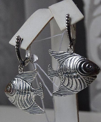 Серебряные серьги - подвески рыбки