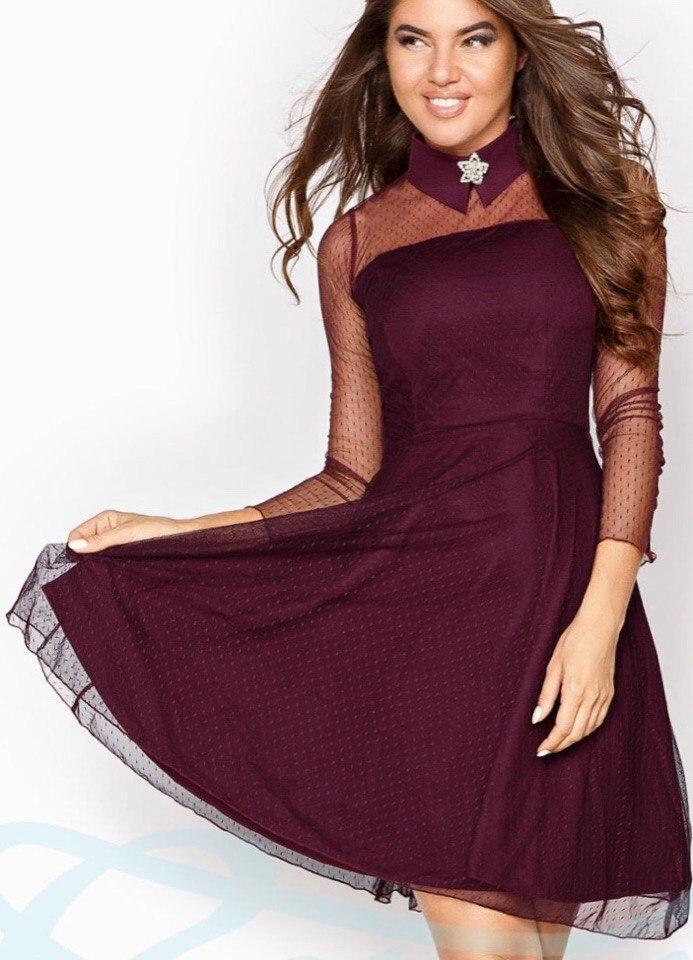 Нарядное бордовое платье с брошкой