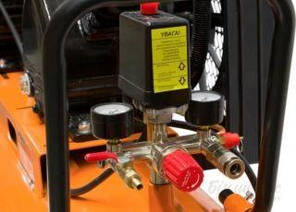 Воздушный компрессор ременной 8 бар для СТО с ресивером на 50 литров Сталь, для покраски авто, шиномонтажа, фото 2
