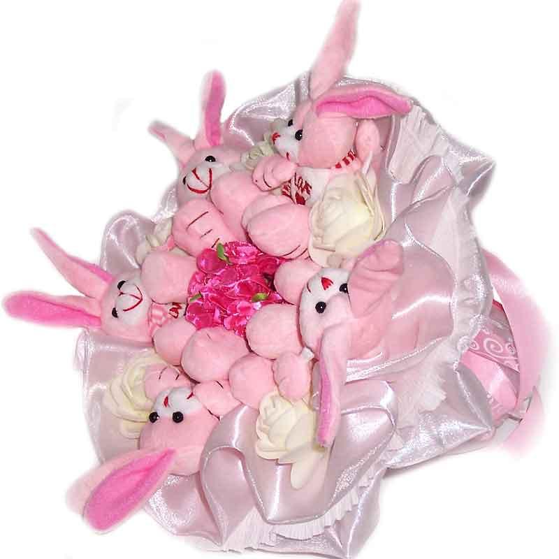 Букет из мягких игрушек Зайки розовые 5