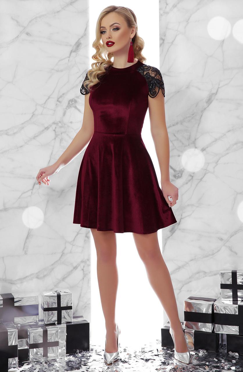 Платье велюровое с красивыми короткими рукавами вечернее новогоднее нарядное коктейльное