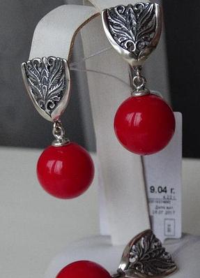 Серебряные серьги - подвески с красным кораллом