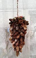 Новогодний подвесной декор из шишек - подарок на Новый год 2021