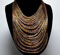 Ожерелье из бисера коричневое