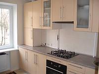 Встроенная кухня глянец