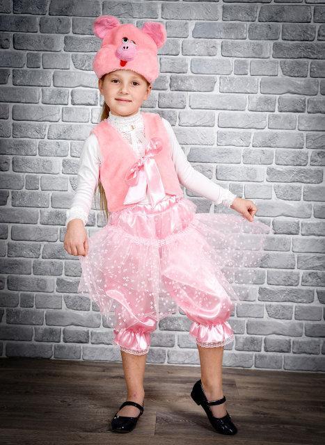 Новогодний костюм для девочки Хрюшка с атласными бриджами и юбкой