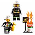 """Конструктор Lepin 02054 """"Пожарный автомобиль с лестницей"""" 239 деталей. Аналог LEGO City 60107, фото 6"""
