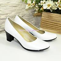 Белые кожаные женские туфли на каблуке. 39 размер, фото 1