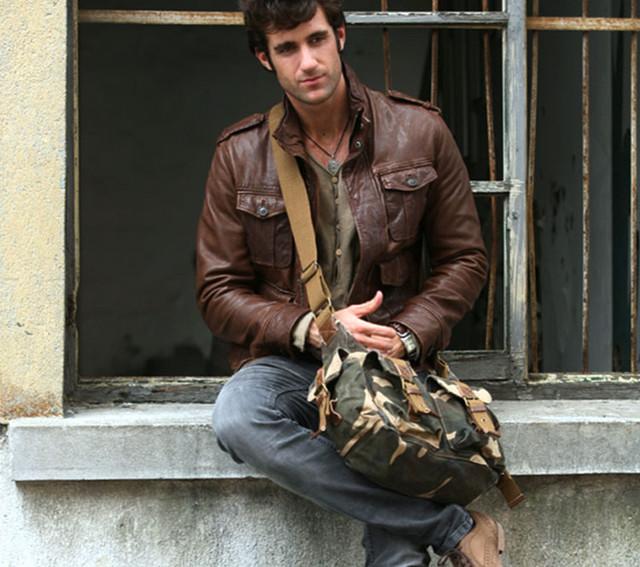 Мужчина с молодежной сумкой virginland