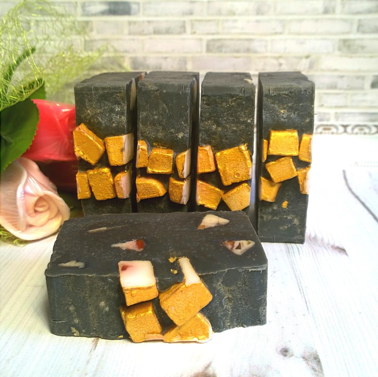 Мыло ручной работы с черной глиной
