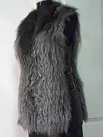 Жилет из чернобурки цельной-бока кожа с пряжками длина 70см 42р- 44р