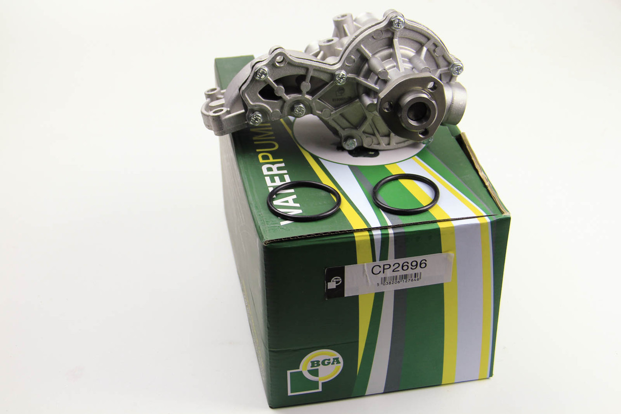 Водяной насос (помпа) Volkswagen Caddy II 1.9D/TD/1.6-2.0 (с корпусом)