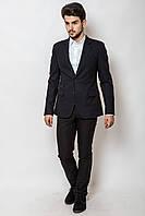 Мужской костюм с тремя карманами