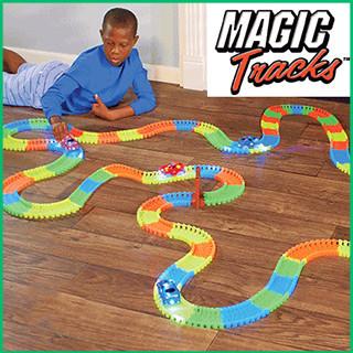 Гибкая гоночная светящаяся трасса Magic Tracks