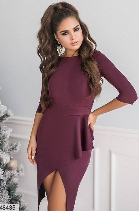 Красивое платье асимметрия облегающее рукав до локтя замш цвет баклажан