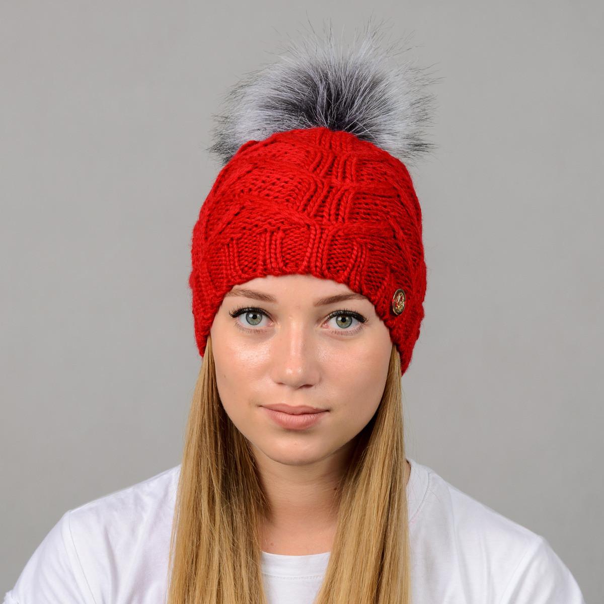 """Женская шапка с помпоном """"Praga"""" красный"""