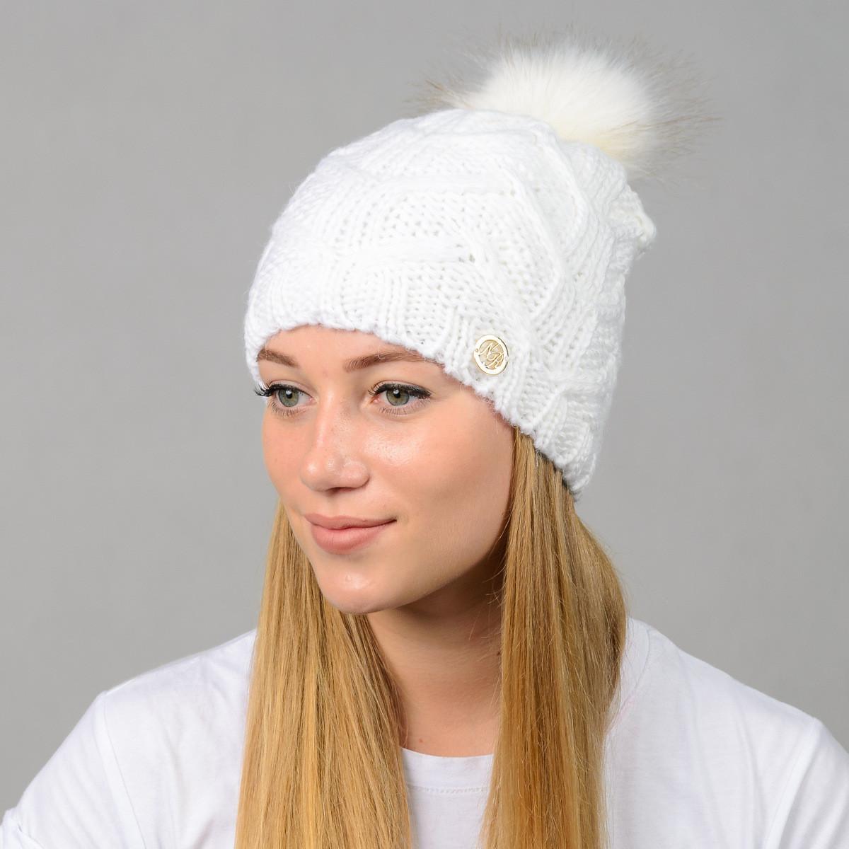 """Женская шапка с помпоном """"Praga"""" белый"""