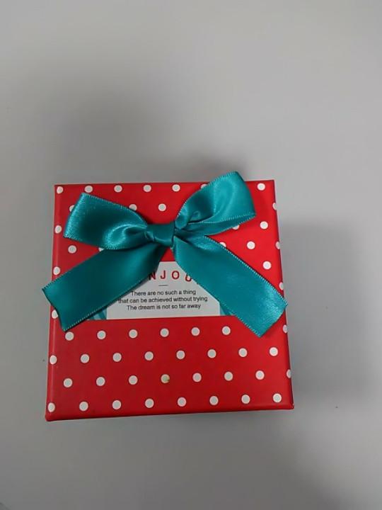 Коробочка подарочная с бантиком
