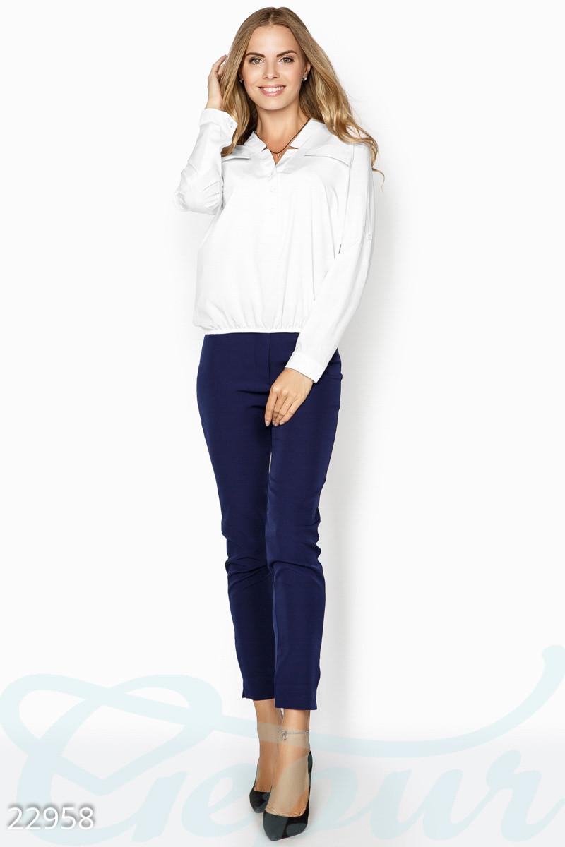 Белая блуза свободного кроя больших размеров