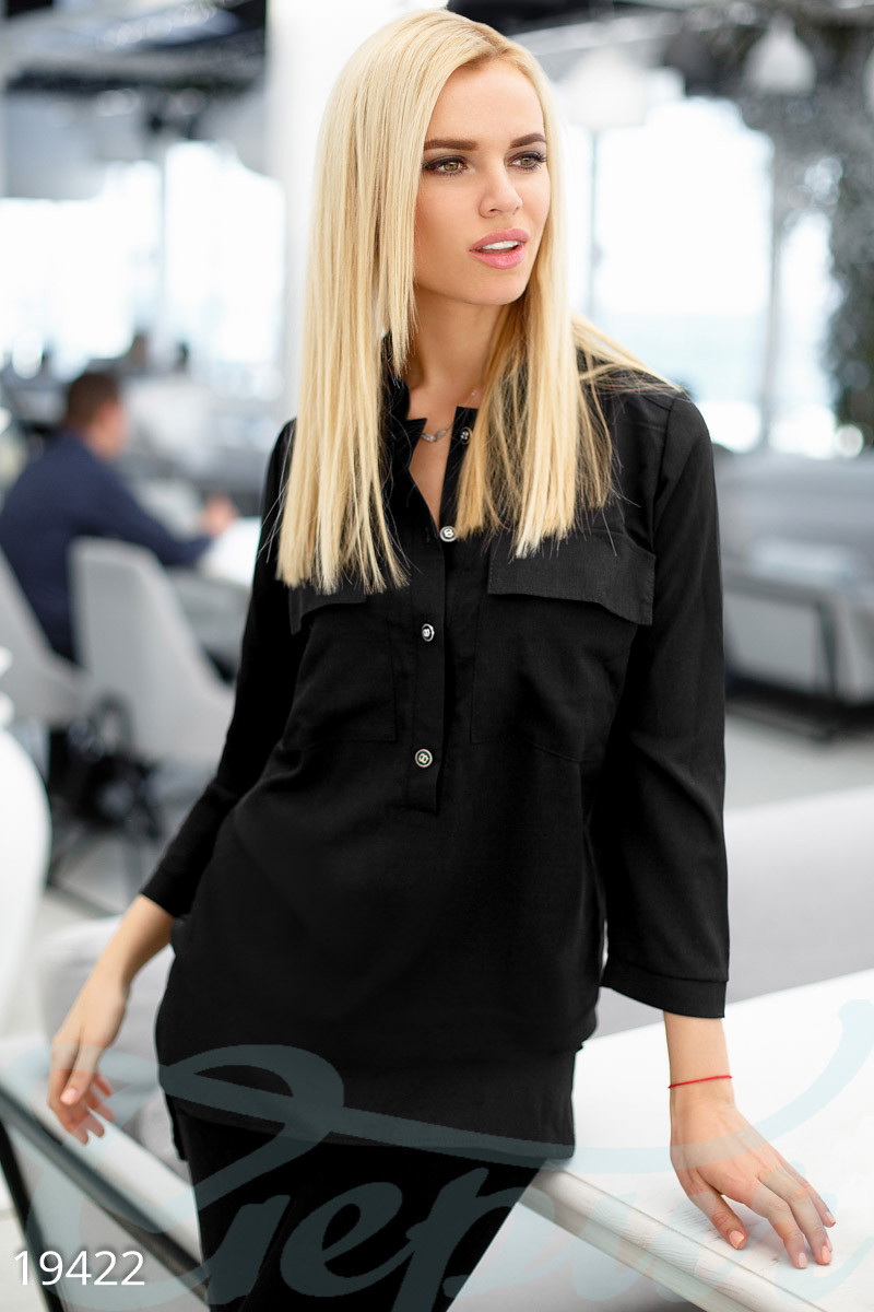Стильная женская блуза черного цвета