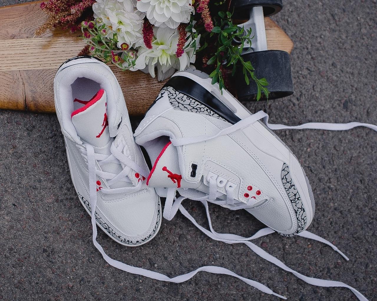 565483efc979 NIke Air Jordan 4 Retro White Cement   женские кроссовки  белые  кожаные