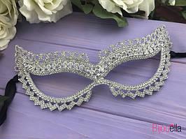 Прелестная маска с белыми кристалами на утренник вечеринку маскарад