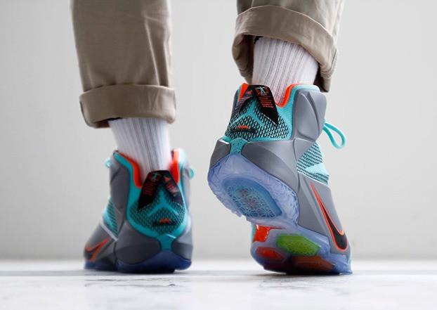 94a3a291601fcb Баскетбольные кроссовки Nike LeBron 12